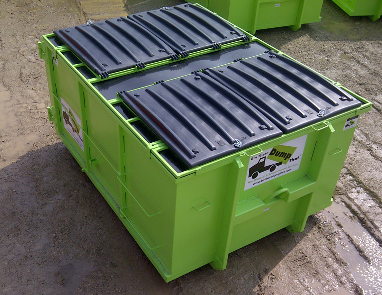 Dumpster with lid