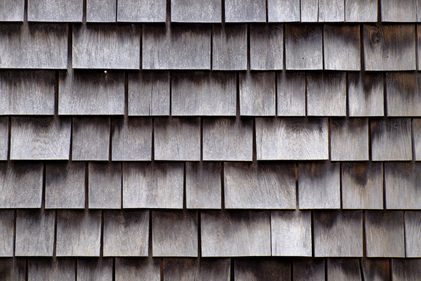 How Much does a bungle of shingles weigh for single disposal