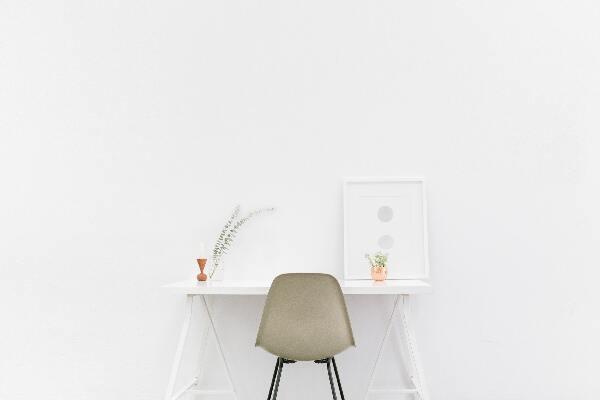 minimalist home office desk